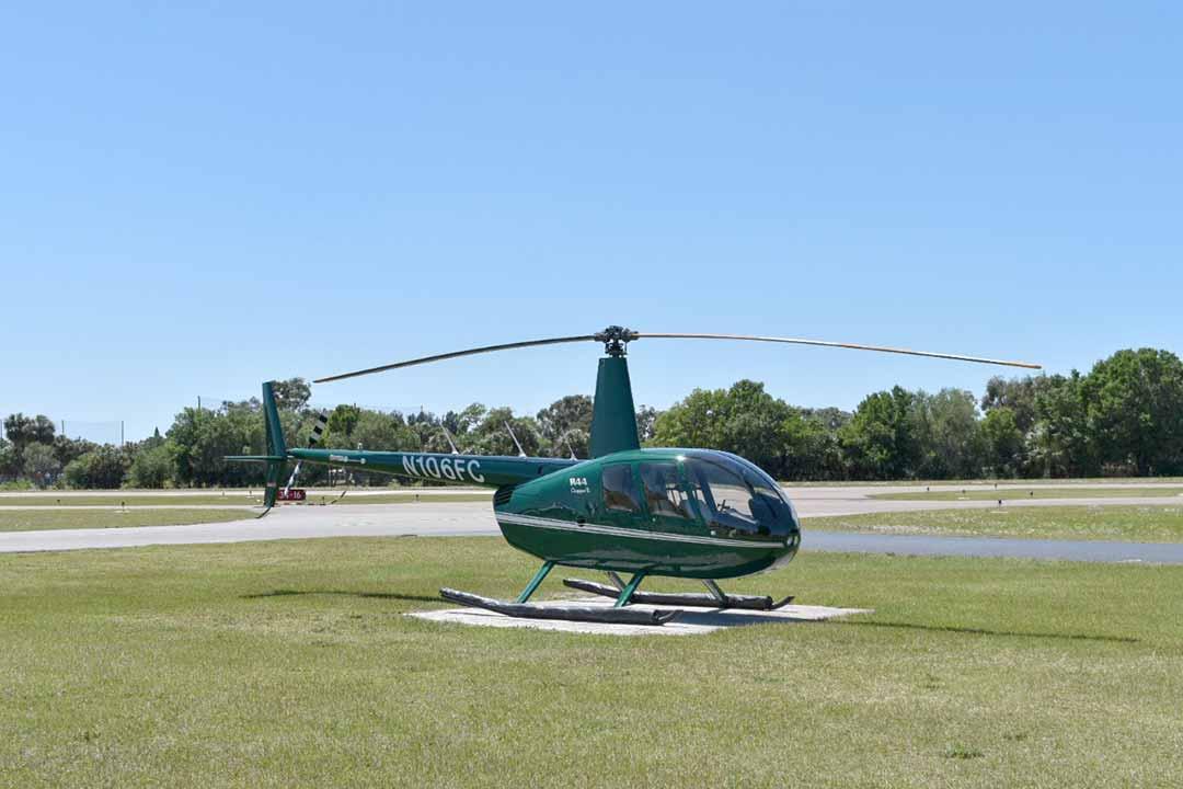 Robinson R44 Raven II N106FC